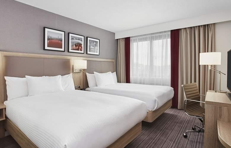 Hilton Garden Inn Dublin Custom House - Room - 1