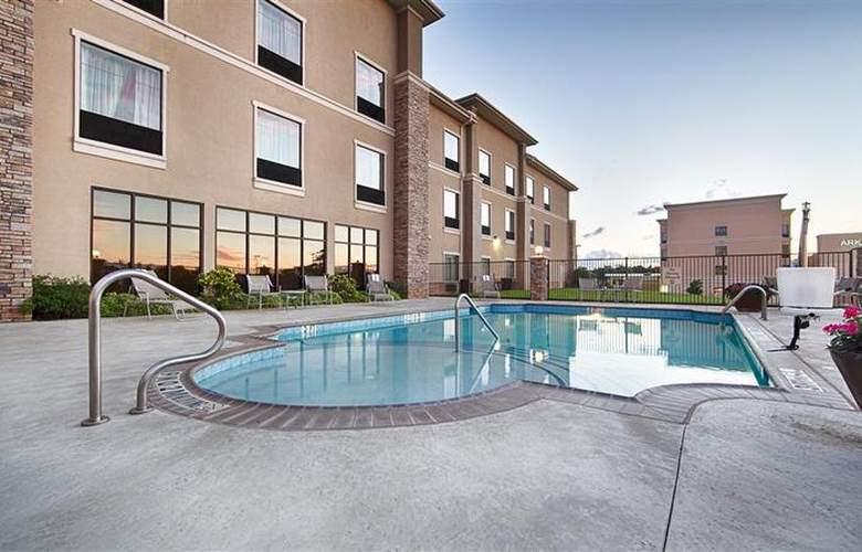 Best Western Plus Texarkana Inn & Suites - Pool - 33