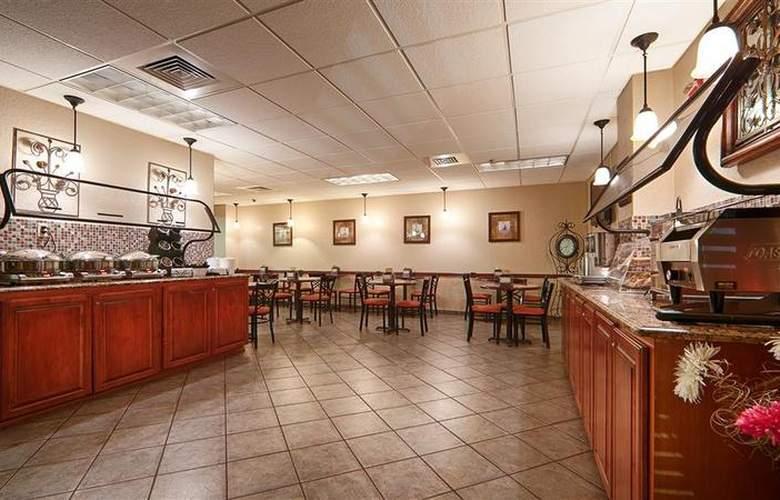 Best Western Universal Inn - Restaurant - 65