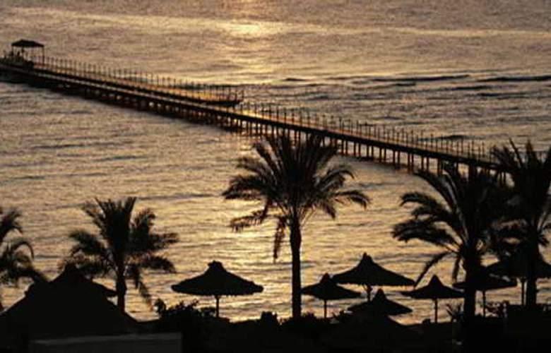 Flamenco Beach Resort - Hotel - 9