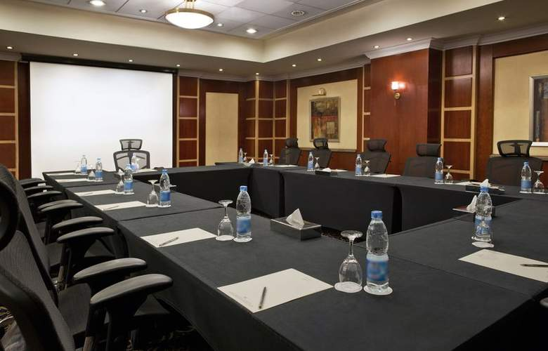 Holiday Inn Cairo Maadi - Restaurant - 22