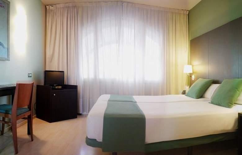 Atiram Oriente - Room - 12
