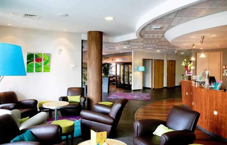 Suite Novotel Clermont Ferrand Polydome - Bar - 37