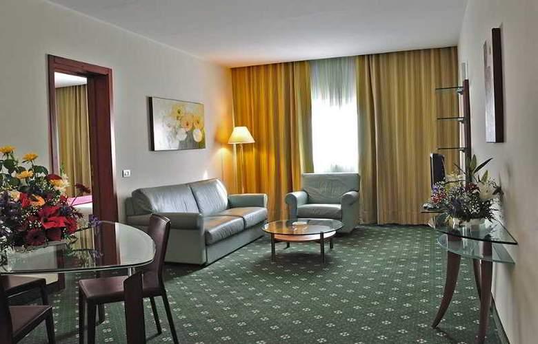 BV Oly - Room - 7