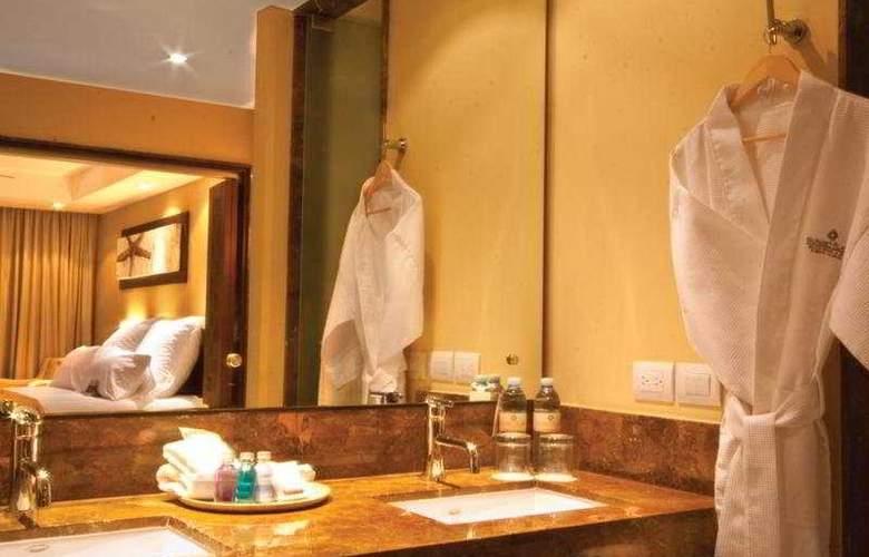 Sunset Plaza Beach Resort & Spa - Room - 4