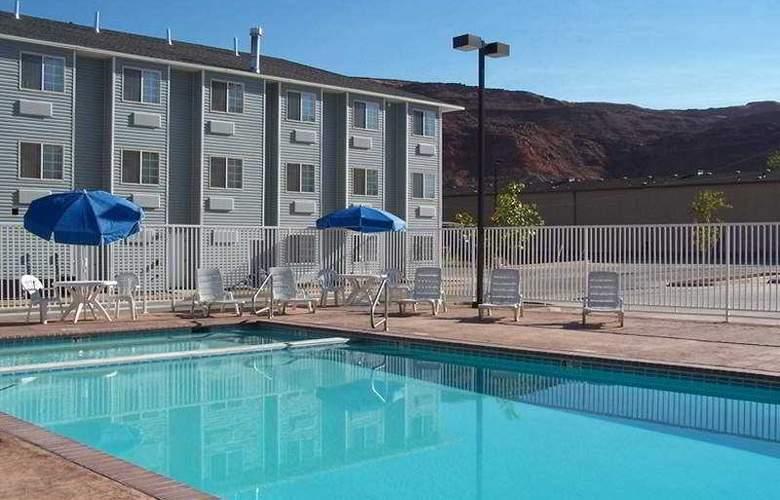 River Canyon Lodge - Pool - 2