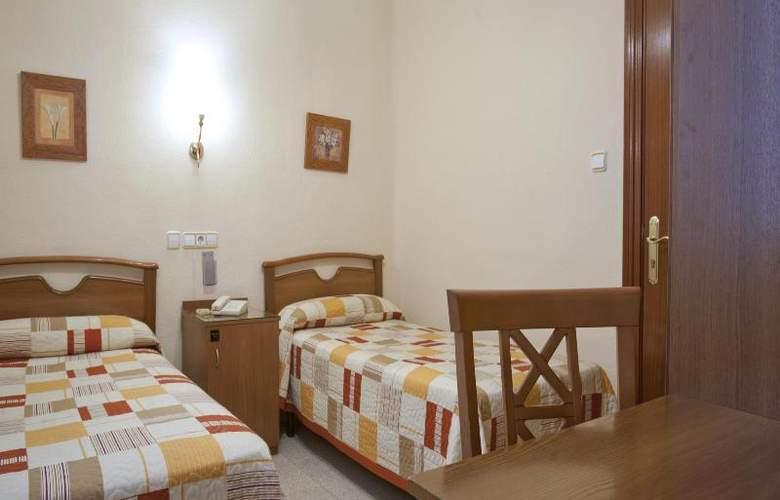 Hostal Maria Luisa - Room - 16