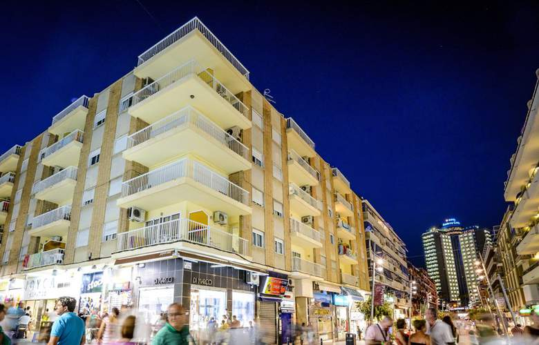Apartamentos Avenida - Hotel - 0