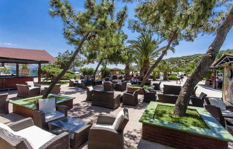 Tusan Beach Resort - Terrace - 19