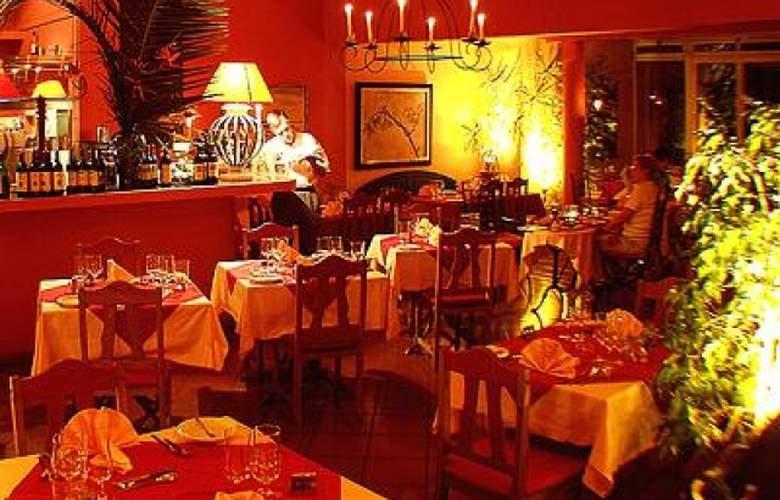 Inn & Art Gallery - Restaurant - 3