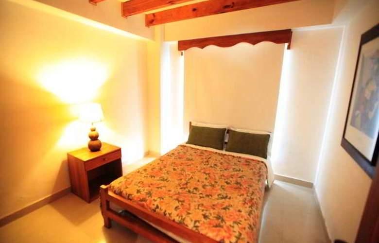 Zoila Agudelo Aptos - Room - 17