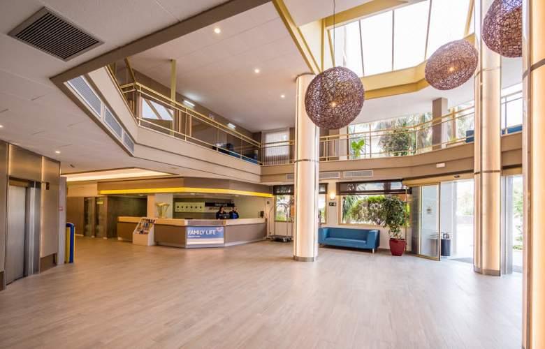 Golden Avenida Suites - General - 6