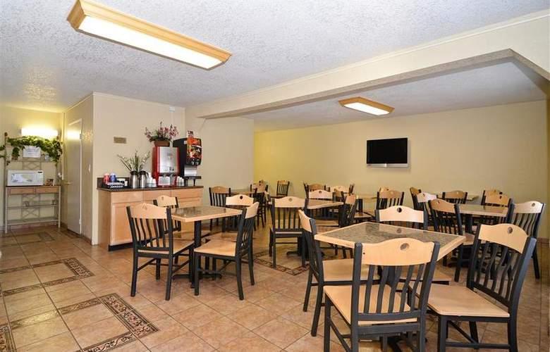 Best Western Americana Inn - Restaurant - 84