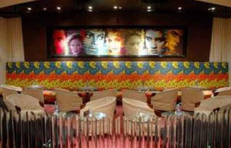 The Peerless Inn - Bar - 5