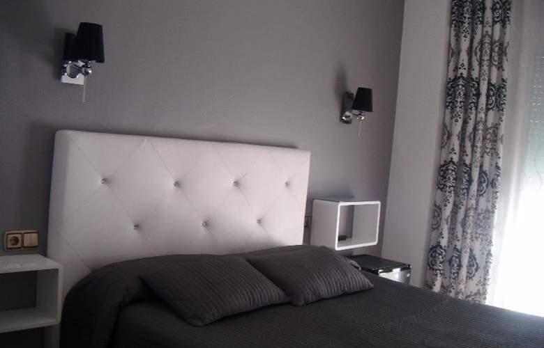 Abril - Room - 10