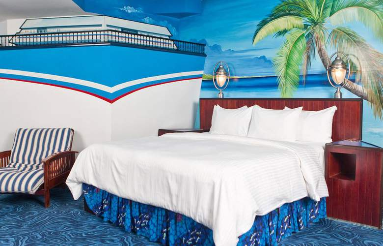 Fantasyland Hotel - Room - 10