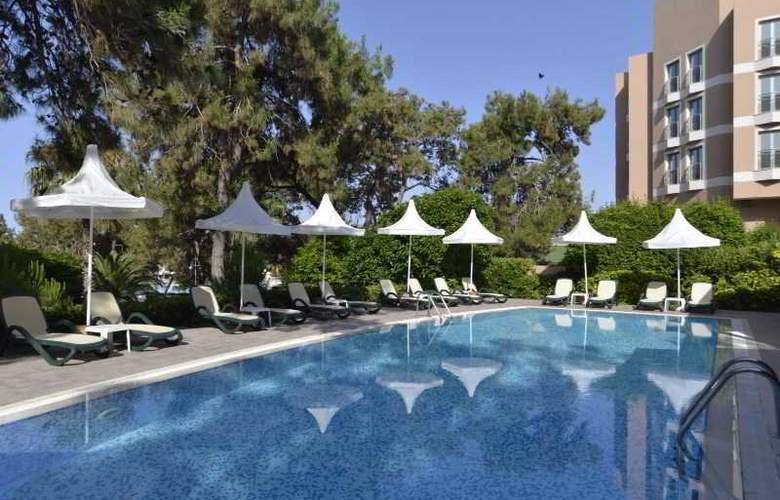 Turquoise Resort Hotel&Spa - Pool - 13