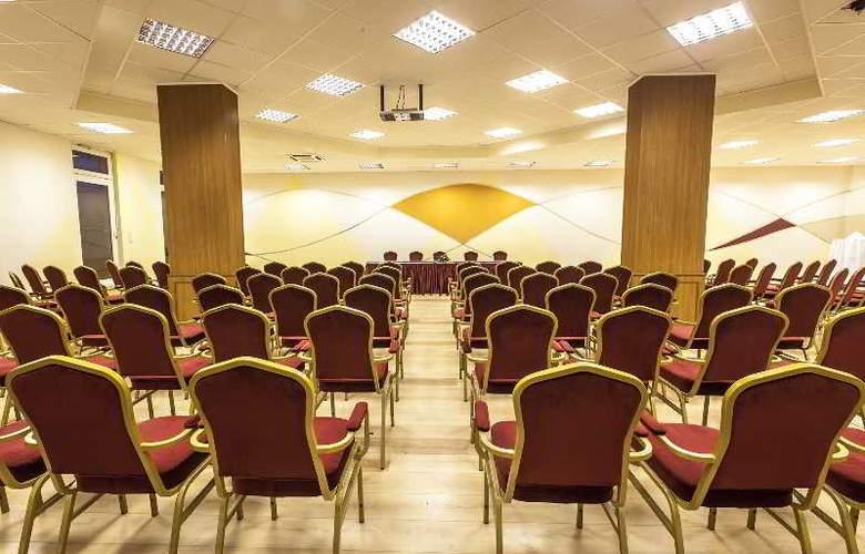 Premium Apartment House - Conference - 16