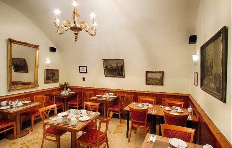 Clementin Old Town - Restaurant - 17
