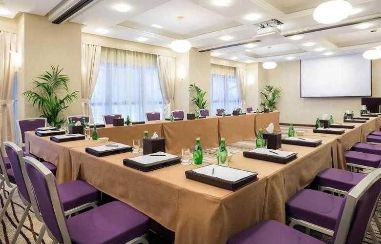 Majlis Grand Mercure Residence - Hotel - 8