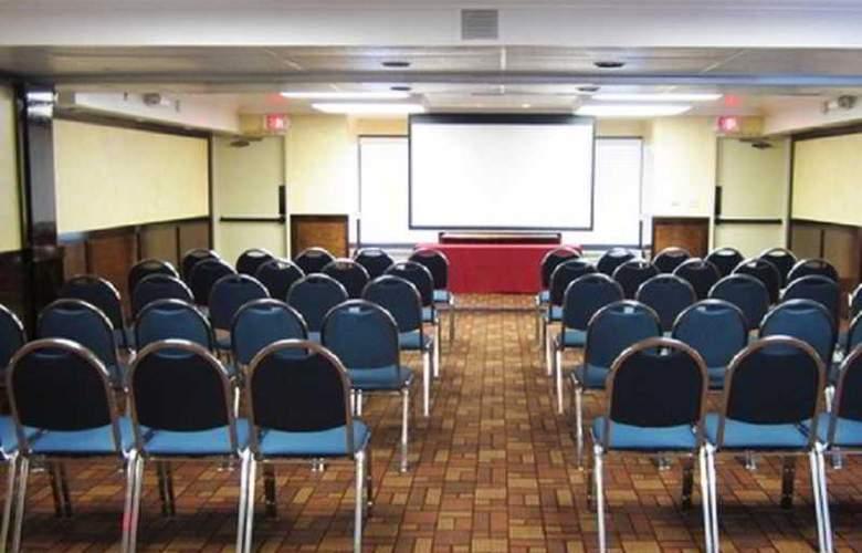 Comfort Inn University - Conference - 1