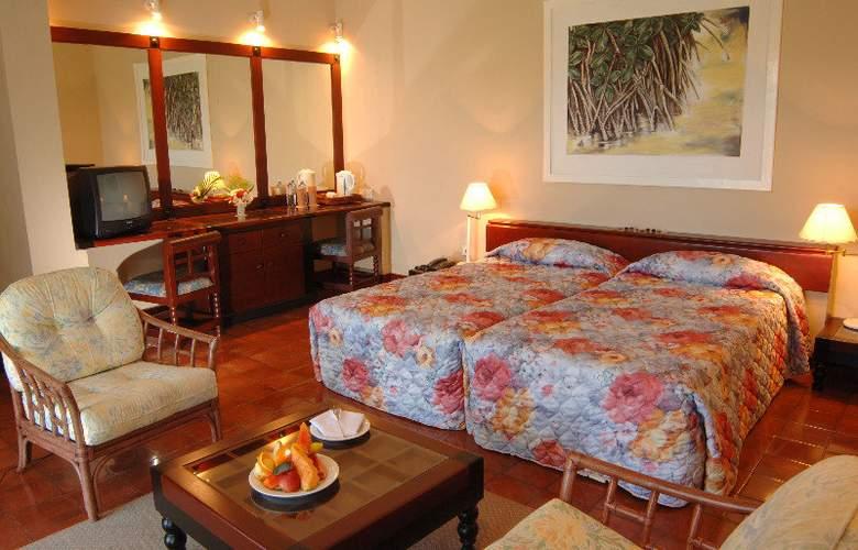 Club Palm Bay - Room - 5