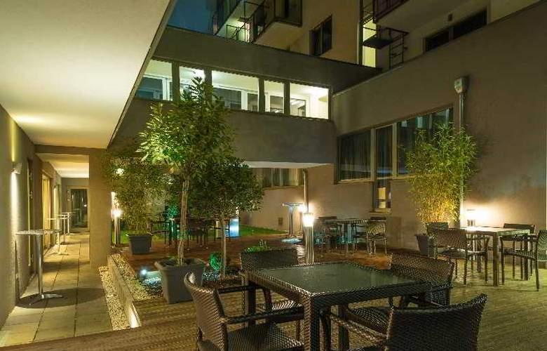 Pakat Suites Hotel - Terrace - 19