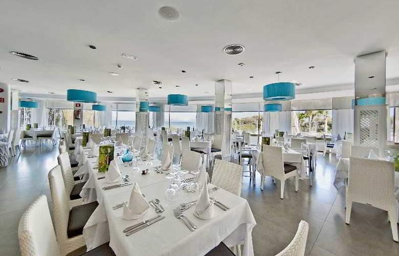 Playa Esperanza - Restaurant - 40
