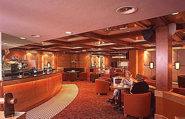 Hilton Isle of Man - Bar - 4