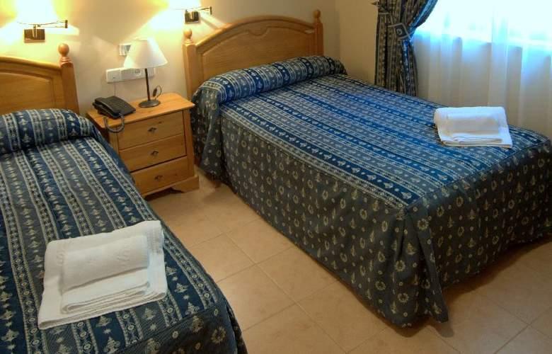 Balneario de Benito - Room - 2