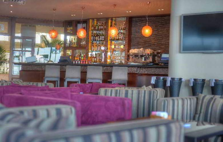 Radisson Blu Resort - Bar - 21