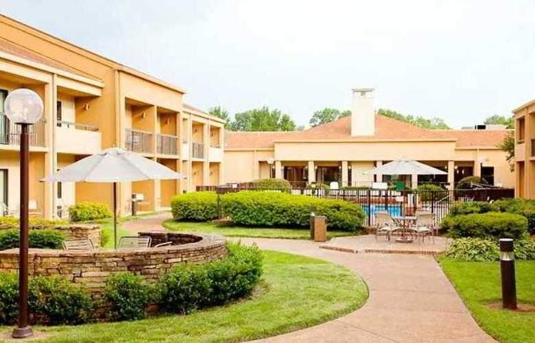 Courtyard Memphis Airport - Hotel - 2