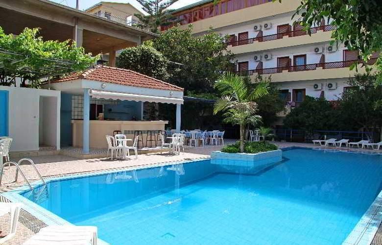 Ntanelis Hotel - Pool - 8