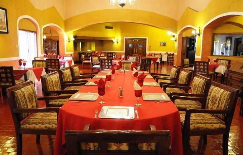 Villas Arqueologicas Cholula - Restaurant - 42