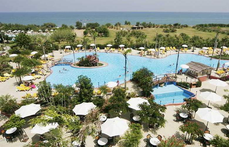 Fiesta Sicilia Resort - Pool - 3