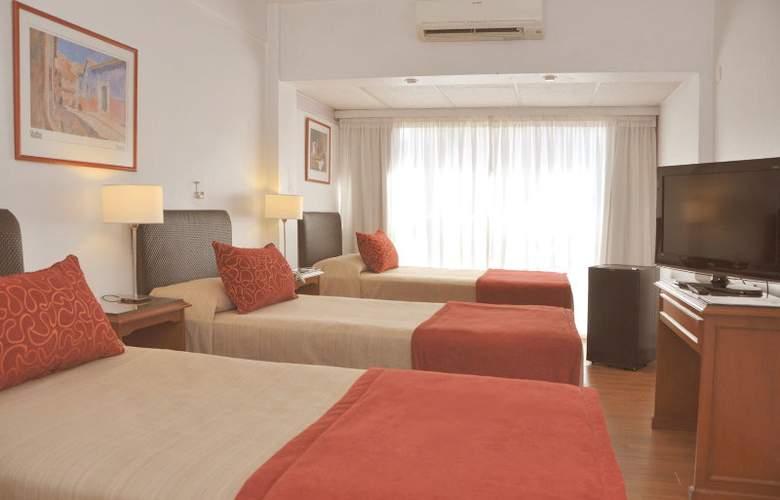 Gran Hotel Buenos Aires - Room - 1