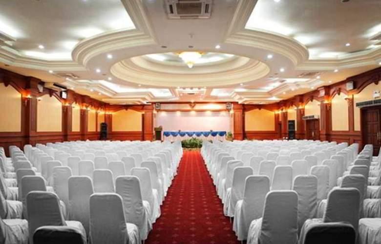 Lombok Raya - Conference - 5
