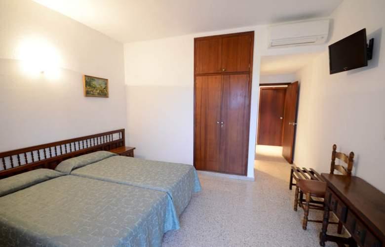 Hostal Mayol - Room - 3