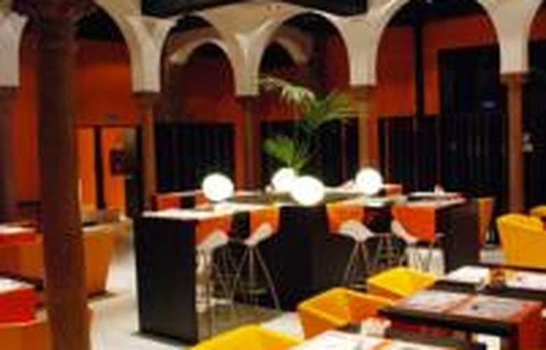 Petit Palace Plaza Málaga - Restaurant - 6