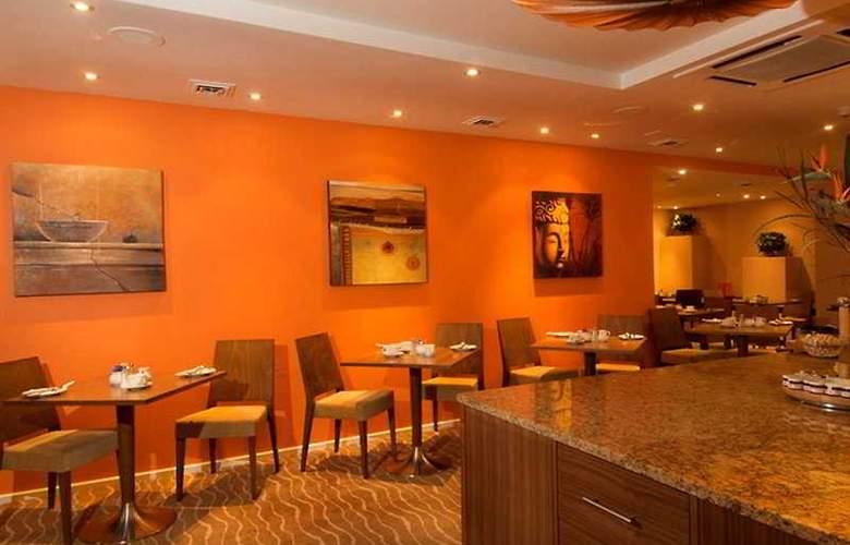Gresham Belson - Restaurant - 4