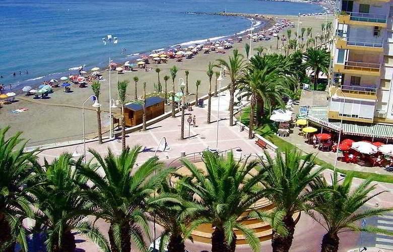 Apartamentos Intercentro (Algarrobo-Costa) - Beach - 6