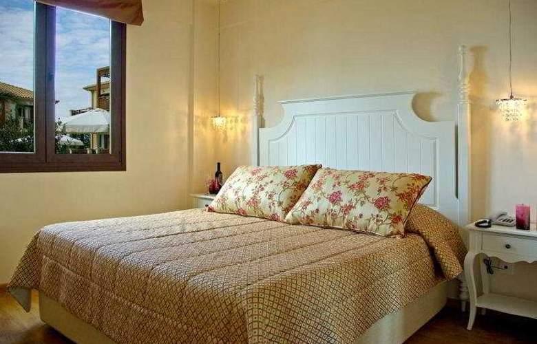 Mediterranean Village - Room - 5