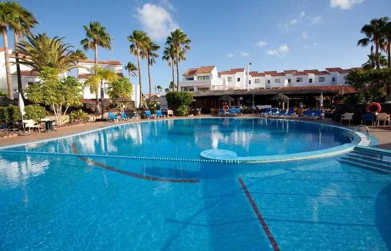 Select Sunningdale - Pool - 24