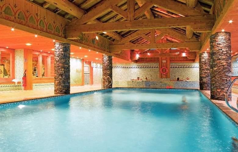 Residence Pierre & Vacances Premium Les Fermes du Soleil - Pool - 9