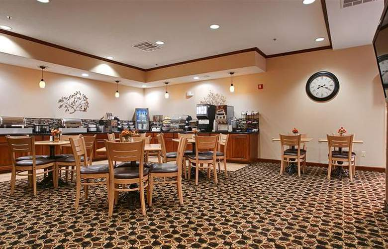 Best Western Kansas City Airport-Kci East - Restaurant - 83
