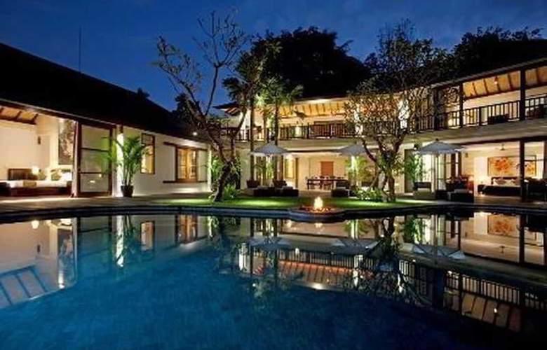 Villa Iskandar - Pool - 2