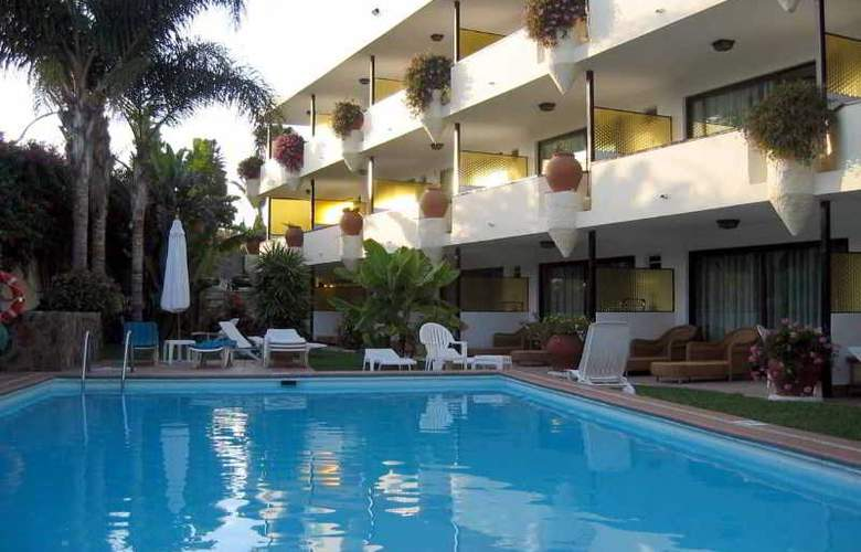 Nogal Apartamentos - Pool - 7