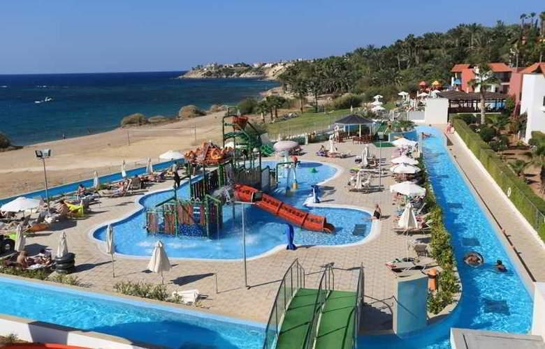 Aquasol Holiday Village - Pool - 11