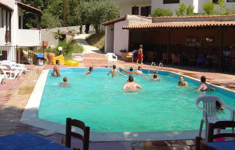 Villa Pappas - Pool - 3