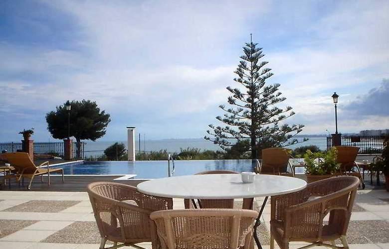 Thalasso Hotel El Palasiet - Terrace - 5